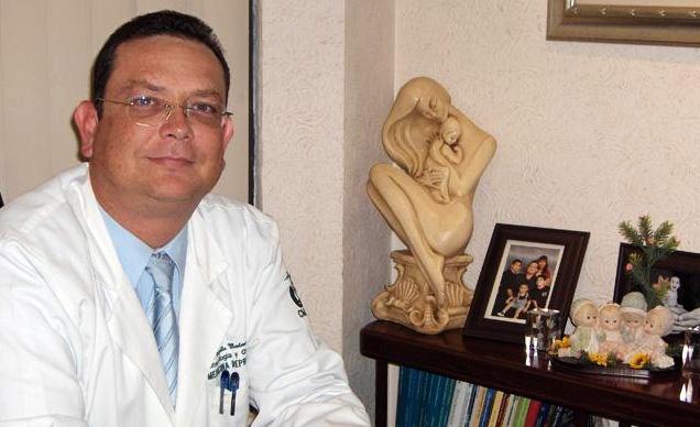 dr-rogelio-montemayor-garza-ginegologo-ginequito